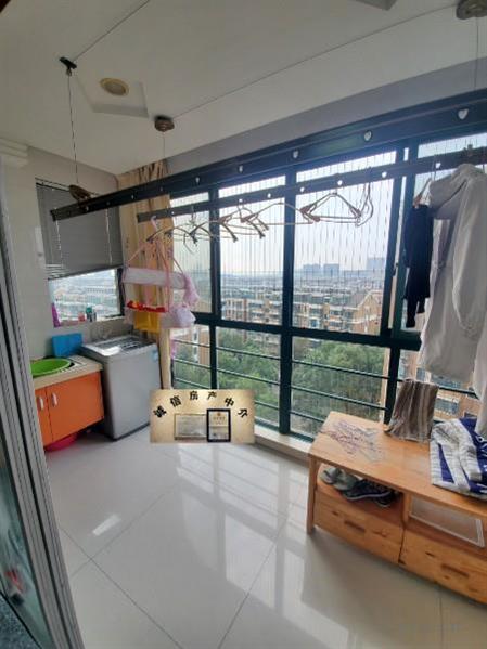急售盛世华城9楼127平米三室两厅两卫拎包入住