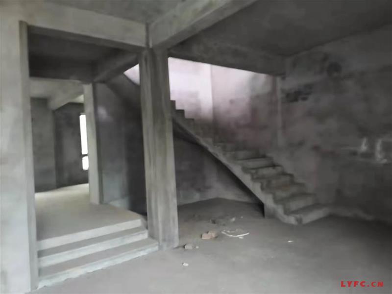 燕山公馆豪装3房/2厅/2卫朝南好房199.8万