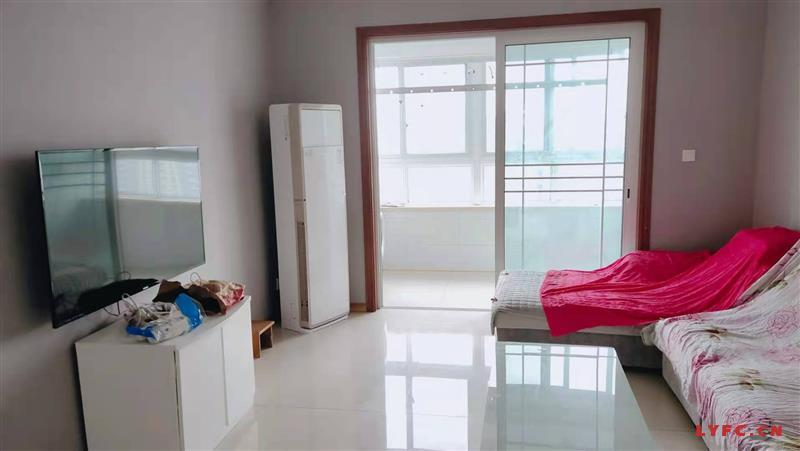 幸福城北苑3室2厅2卫豪装出租