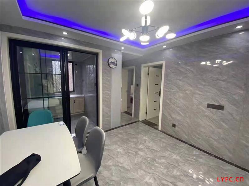 燕山新村5楼,70平,两室,新豪装,每月2000元