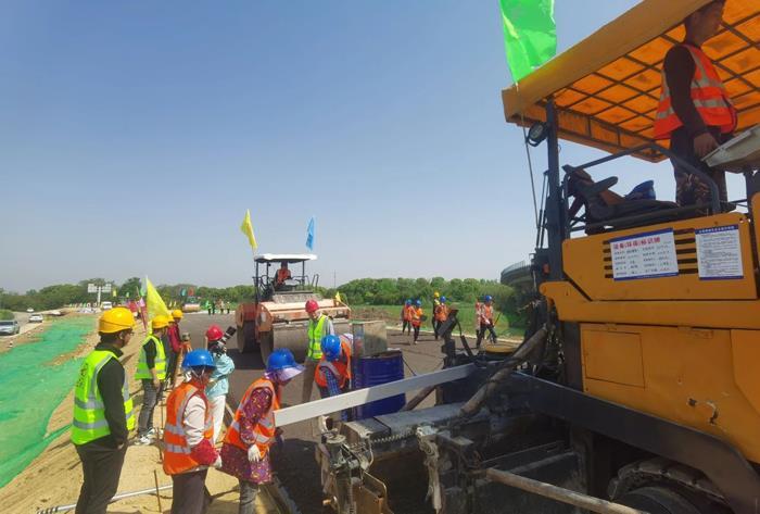 溧宁高速进入路面施工阶段!连接苏皖腹地的又一条快速通道!